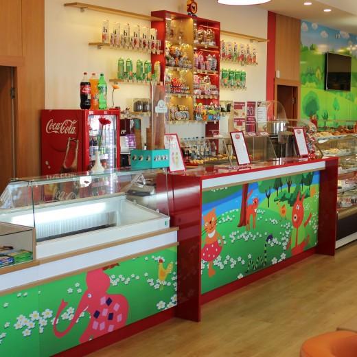 Кафетерий с магазином